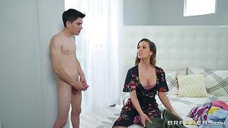Teen scolding Jordi shakes his long learn of for stepmom Cherie Deville