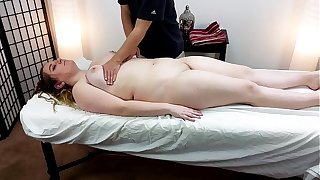 Thick 18 Savoir faire Old Alice Heart Gets A Massage