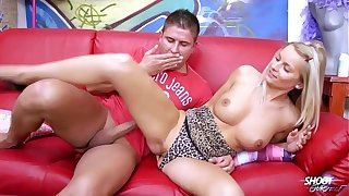 Blonde sexbomb encircling perfect confidential rock the cock on the phrase